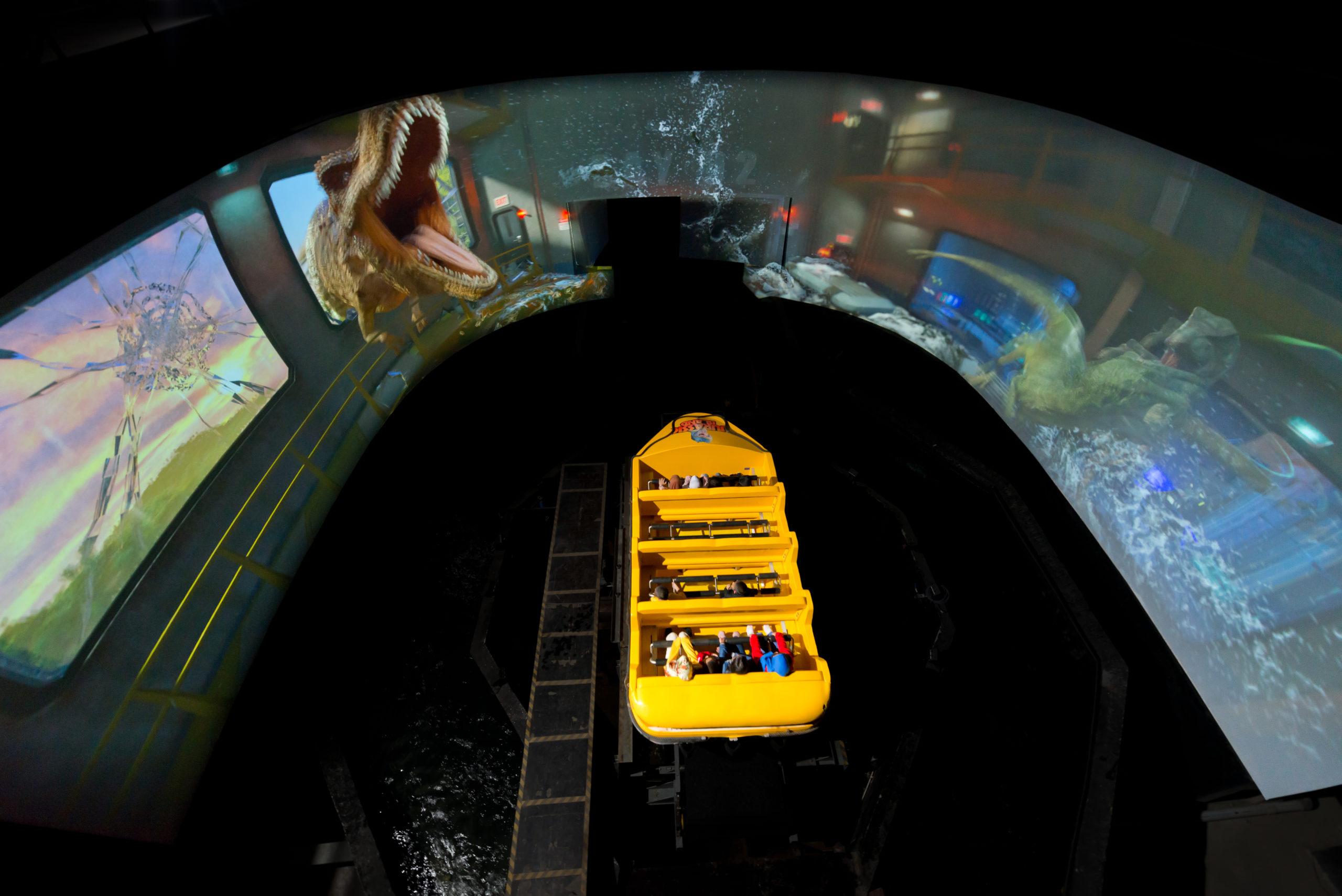 Wrap around Immersive Screen inside Tunnel of Jurassic Island