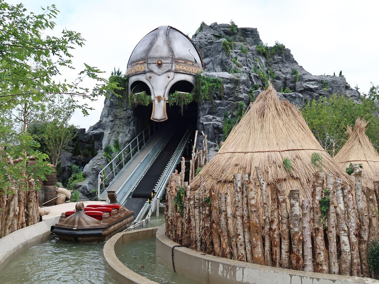 Interlink New Ride : Superflume Viking Voyage boat at Tayto Park