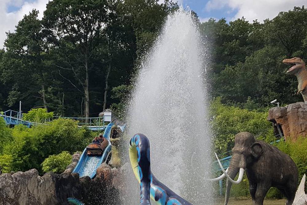 Interlink New Ride : Log flume Dino Splash at Parc Saint Paul 7