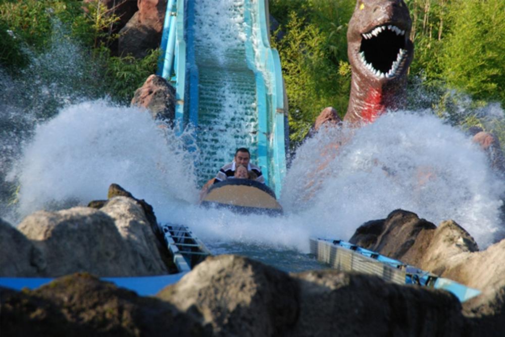 Interlink New Ride : Log flume Dino Splash at Parc Saint Paul